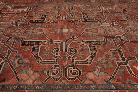 Antique Serapi Rug Hand-Knotted Persian
